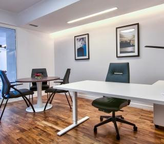 greta_office_012